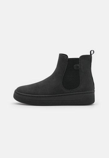 BOOTIE - Kotníkové boty na platformě - black
