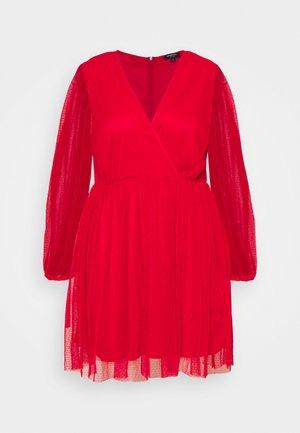 LONG SLEEVE SKATER - Vestido de cóctel - red