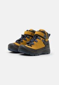 Keen - MID WP UNISEX - Hiking shoes - harvest gold/vintage indigo - 3
