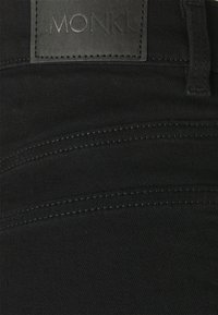 Monki - Szorty jeansowe - black dark - 2