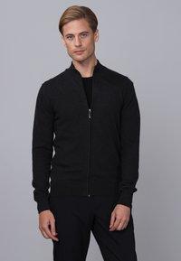 Basics and More - Cardigan - black melange - 4