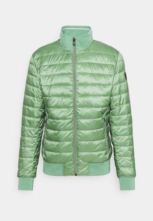 HENRIES - Lehká bunda - bright green