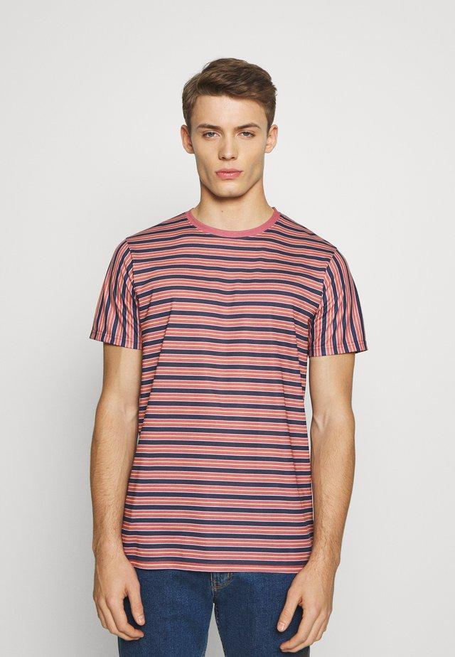 NEFALCO TEE - Camiseta estampada - mauvewood