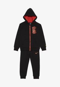 Nike Sportswear - KYRIE PANT SET - Mikina na zip - black - 3