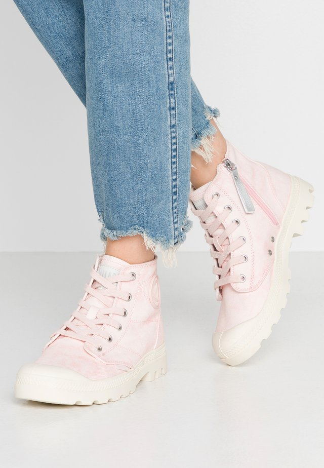 PAMPA ZIP DESERTWASH - Ankle boot - pink