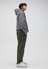PULL&BEAR - Cargo trousers - khaki - 3