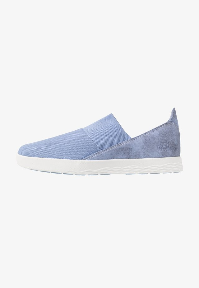 AUCKLAND - Sneakersy niskie - light blue/white