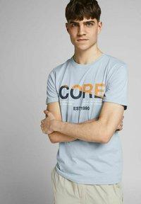 Jack & Jones - Print T-shirt - dusty blue - 3