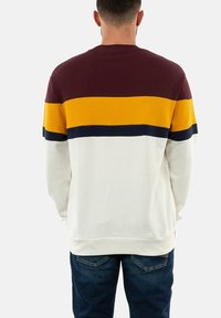 Fred Perry - Collegepaita - rouge - 2