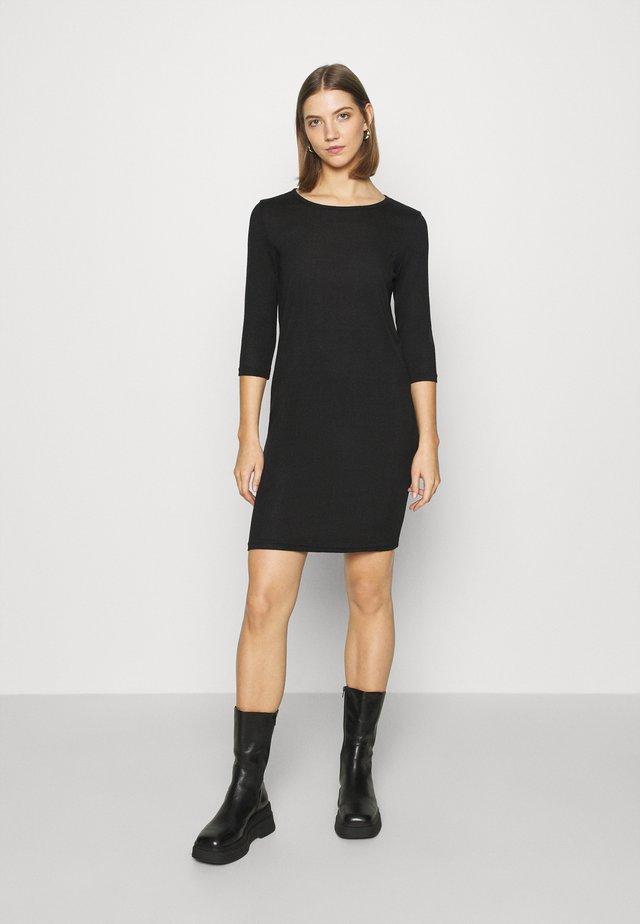 ONLELCOS DRESS - Pletené šaty - black