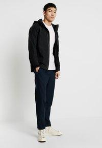 Nike Sportswear - CLUB TEE - T-shirt basic - pink foam/white - 1