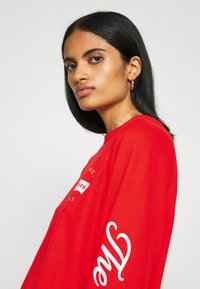 Levi's® - GRAPHIC EVERYDAY CREW - Sweater - poppy red - 3