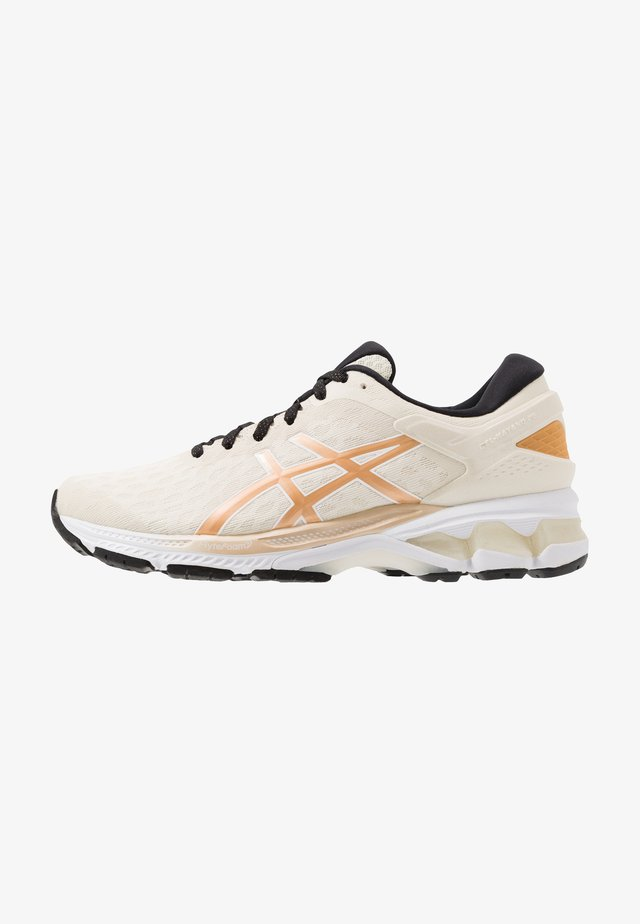 GEL-KAYANO 26 THE NEW STRONG - Stabilty running shoes - birch/champagne