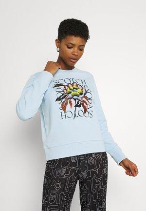 REGULAR CREWNECK WITH EMBROIDERY - Sweatshirt - sky blue