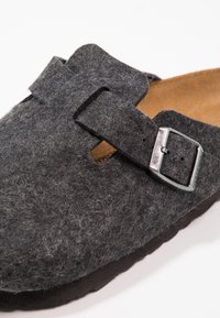Birkenstock - BOSTON - Slippers - anthracite - 5