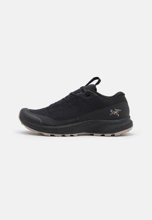 AERIOS  - Hiking shoes - black/sand