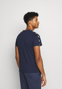 Reebok - TAPE TEE - T-shirt med print - dark blue - 2