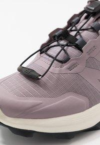 Salomon - SUPERCROSS - Zapatillas de trail running - quail/vanilla ice/india ink - 5