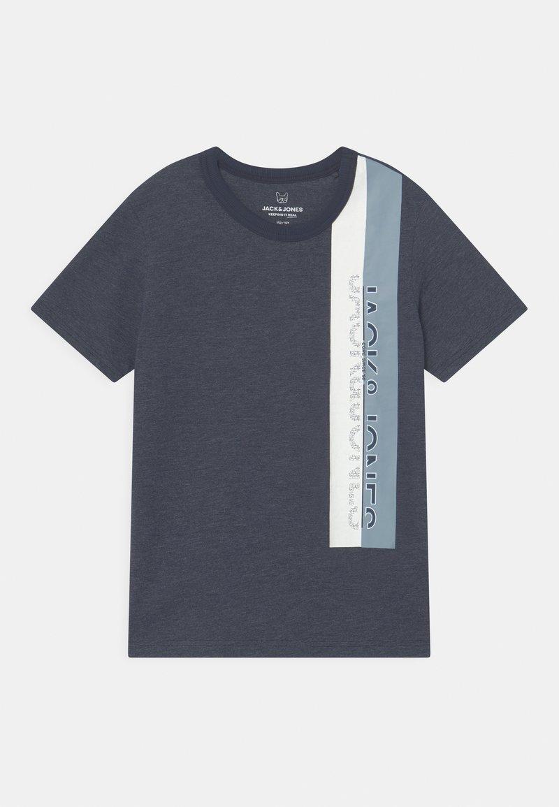 Jack & Jones Junior - JCOOYESTER CREW NECK - T-shirt con stampa - navy blazer