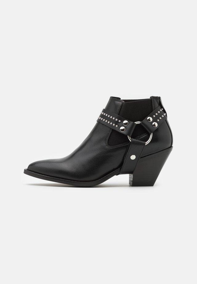 YASLILLIE - Ankle boot - black