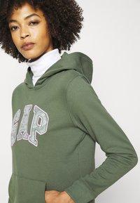 GAP - NOVELTY - Sweatshirt - cool olive - 3