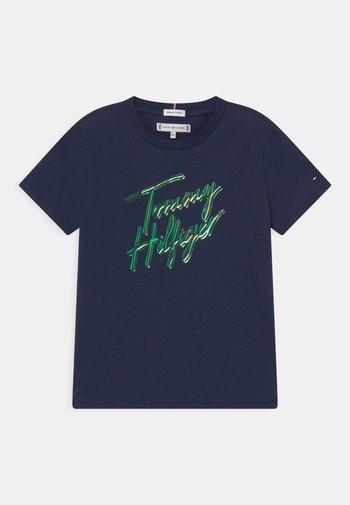 SCRIPT PRINT - Print T-shirt - twilight navy