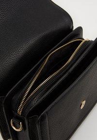 Versace Jeans Couture - SHOULDER BAG - Handbag - nero - 2