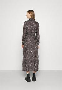 NU-IN - BELTED DRESS - Maxi dress - dark grey - 2