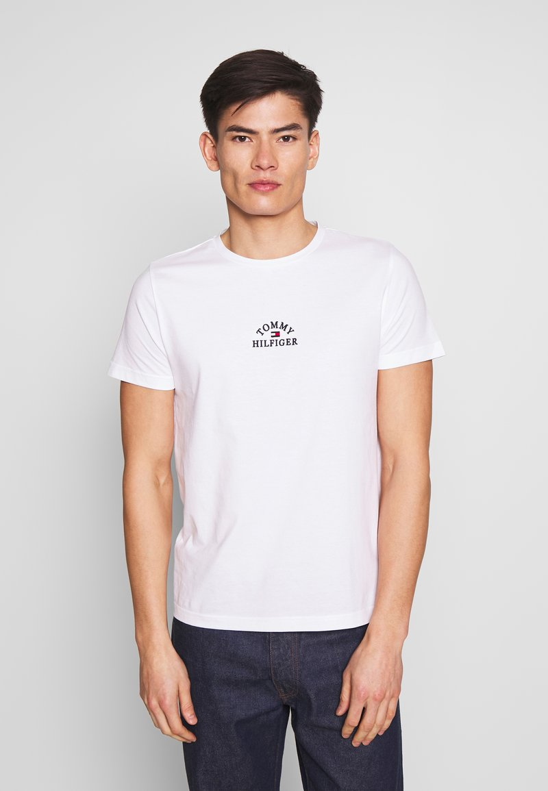 Tommy Hilfiger - ARCH TEE - Print T-shirt - white