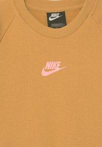 Nike Sportswear - Sweater - bucktan/arctic punch - 2