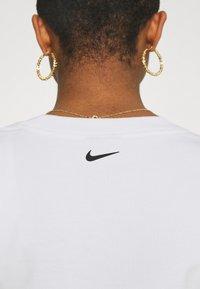 Nike Sportswear - CROP  - Long sleeved top - white - 4
