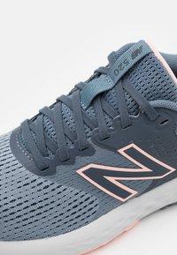 New Balance - 520 - Neutral running shoes - dark grey/silver - 5