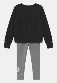 Nike Sportswear - AIR SET - Tepláková souprava - carbon heather - 1
