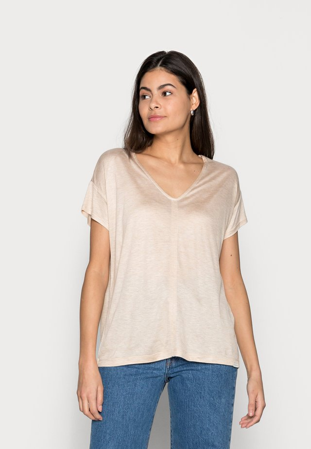 V-NECK SLUB - Basic T-shirt - cream toffee