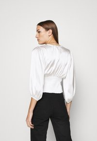 Abercrombie & Fitch - CHASE BLOUSE - Blouse - cream - 2