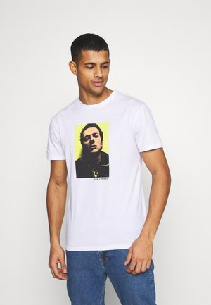 STRUMMERMUG  - Print T-shirt - white