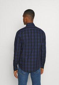 Scotch & Soda - REGULAR FIT- CLASSIC CHECK  - Overhemd - dark blue/black - 2