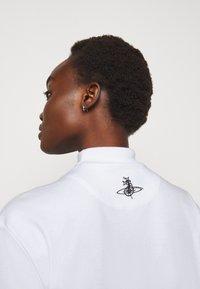 Vivienne Westwood - DOUBLE TOP - T-shirt imprimé - off-white - 5