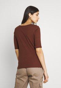 Vila - VIFELIA - Basic T-shirt - chocolate fondant - 2