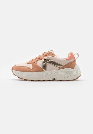 ONLSYLVIE - Sneakers laag - pink