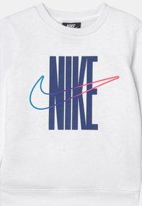 Nike Sportswear - RISE TAPING CREW SET - Tracksuit - deep royal blue - 3