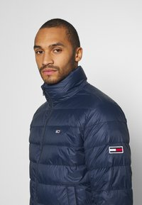 Tommy Jeans - PACKABLE LIGHT JACKET - Dunjacka - twilight navy - 3