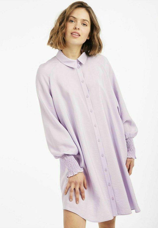 Sukienka koszulowa - purple