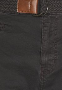 INDICODE JEANS - CONER - Shorts - raven - 2