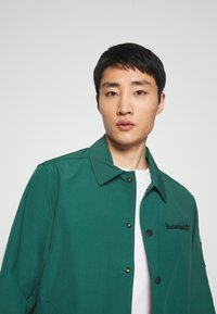 Timberland - MOUNTAIN  - Summer jacket - hunter green - 4