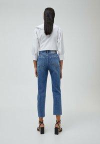 PULL&BEAR - MOM - Relaxed fit jeans - mottled blue - 2