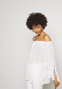 Esprit - FINE - Bluse - off white - 2