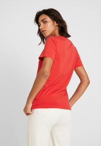 adidas Originals - TREFOIL TEE - T-shirts med print - lush red/white - 2