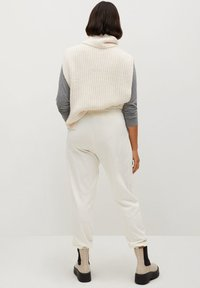 Violeta by Mango - TERRY - Tracksuit bottoms - ecru - 2