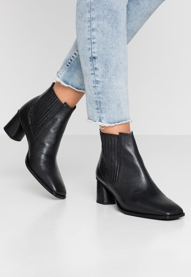 SHELMA - Ankle boots - narva black